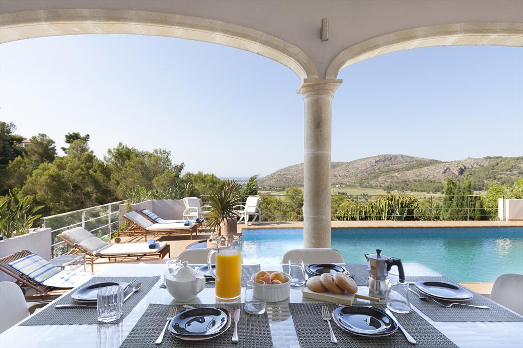 Casa amb piscina a Dénia - Quality Rent