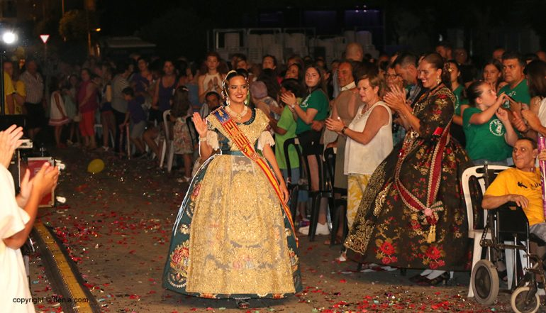 Fallera Mayor de València and its Court of Honor witness the act of Dénia