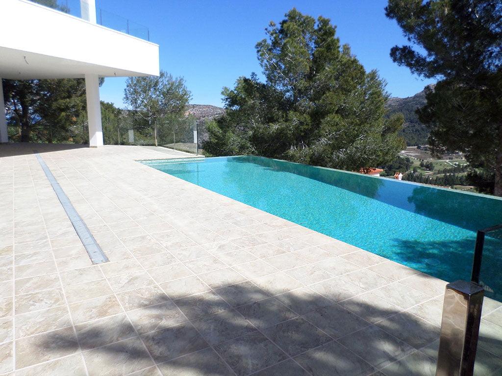 Xalet amb piscina entre Dénia i Xàbia - Promocions Dénia, SL