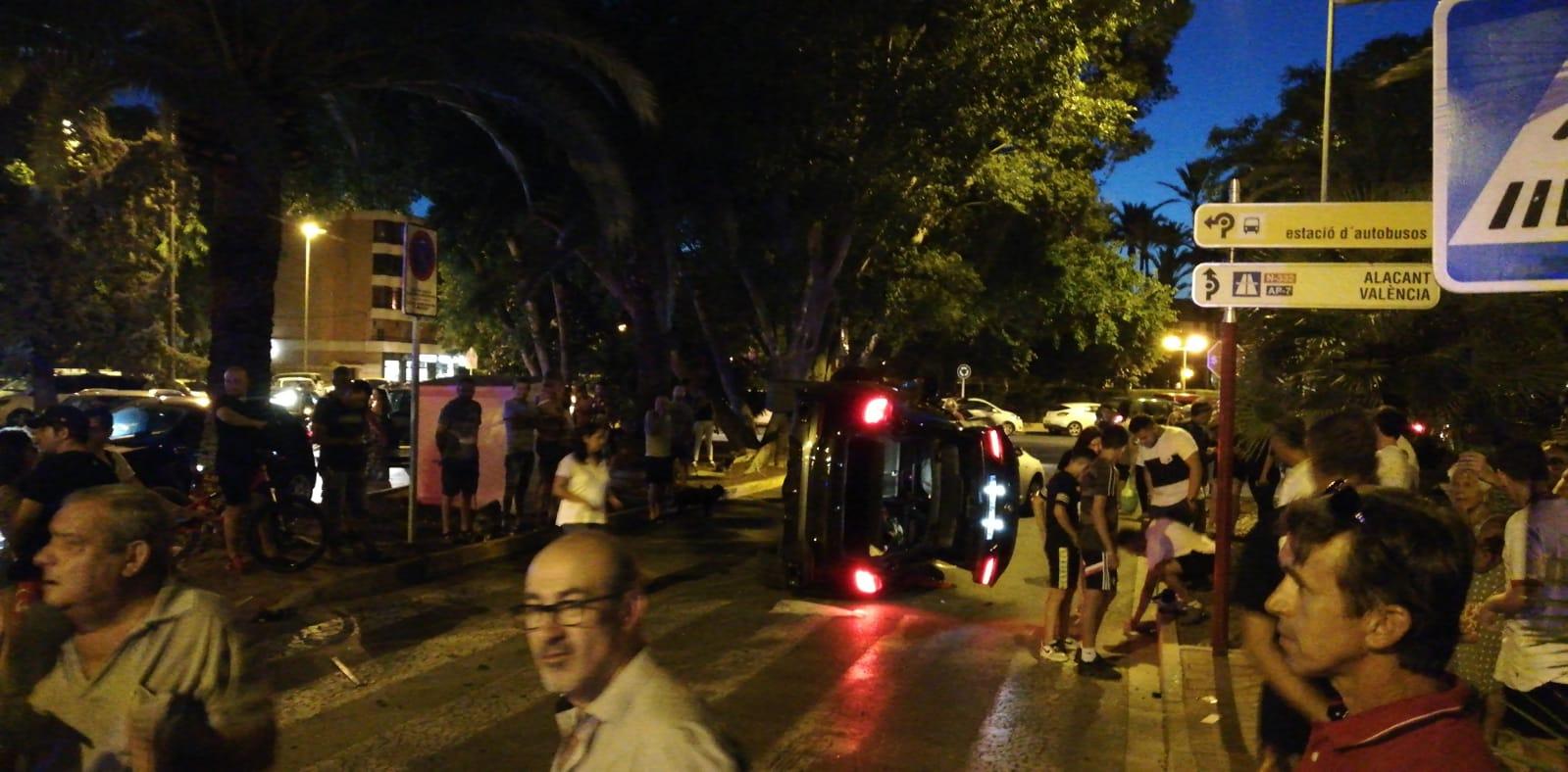 Accident davant Casa de la Cultura