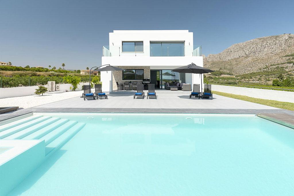 Alquilar una casa tranquila cerca de Dénia – Quality Rent a Villa