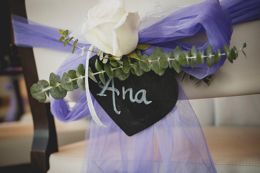 Decoración de las sillas en una boda – Bodas y Flores
