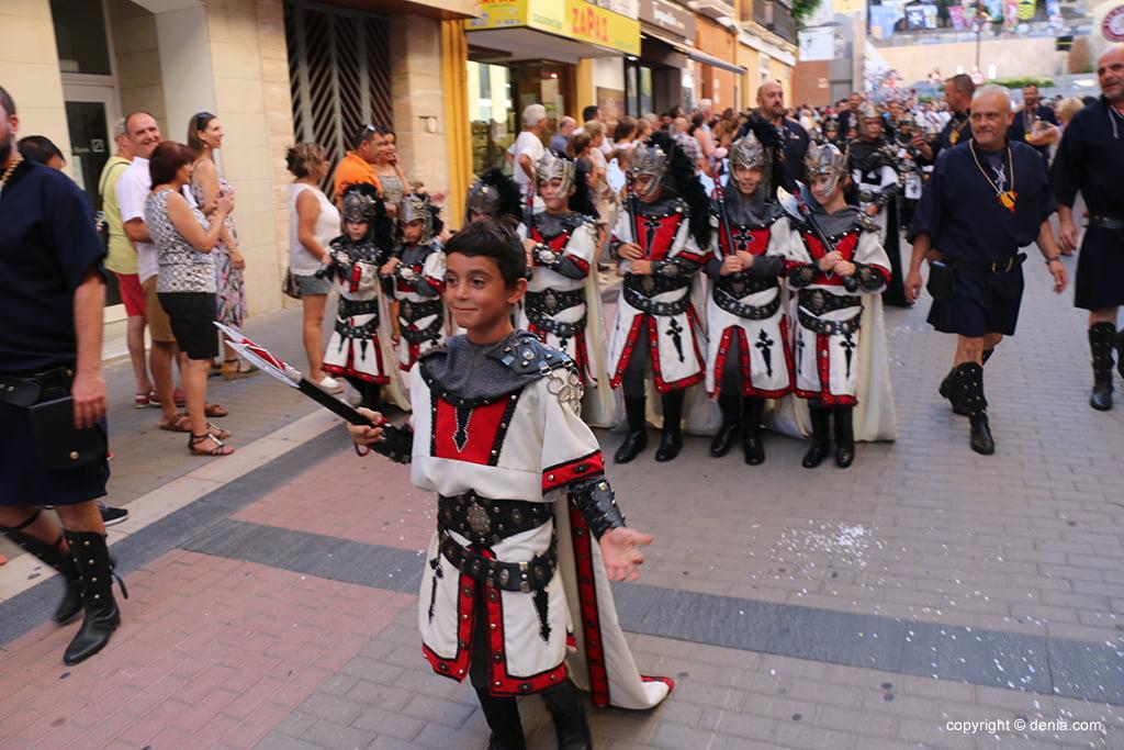 Desfilada infantil de Moros i Cristians 2019 08