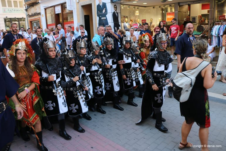 Desfilada infantil de Moros i Cristians 2019 09