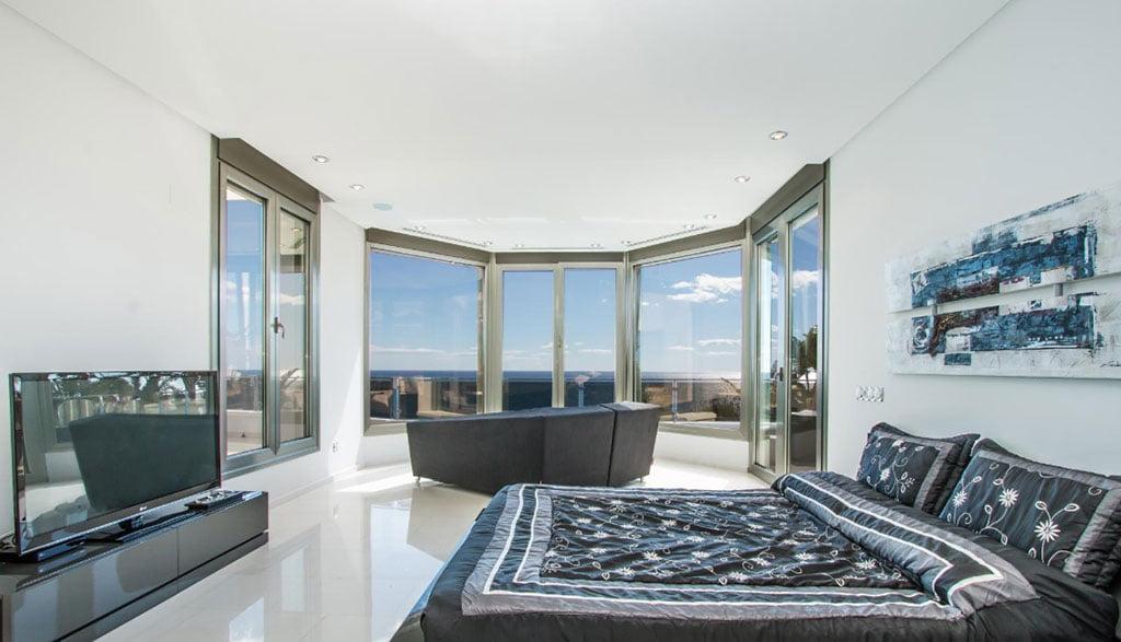 Спальня в элитном доме в Морайре - Fine & Country Costa Blanca North