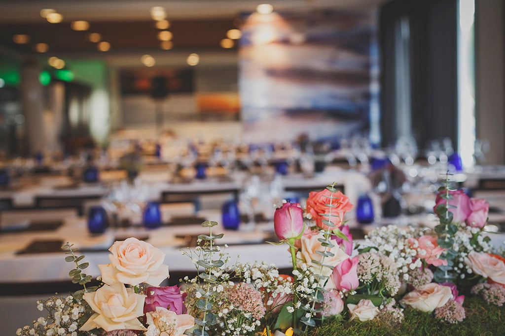 Decoración en salón – Bodas y Flores