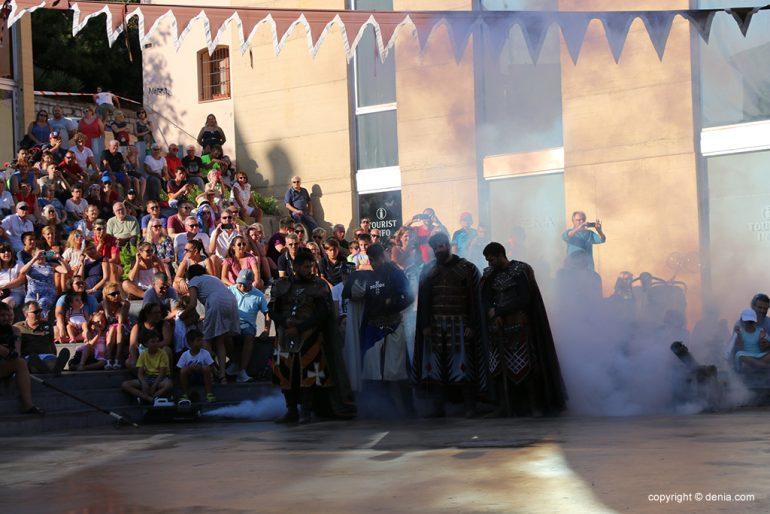 Milagro de la niebla y desfile final 08