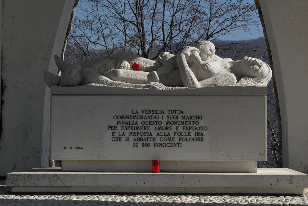 Monument en memòria a les víctimes a Sant'Anna di Stazzema