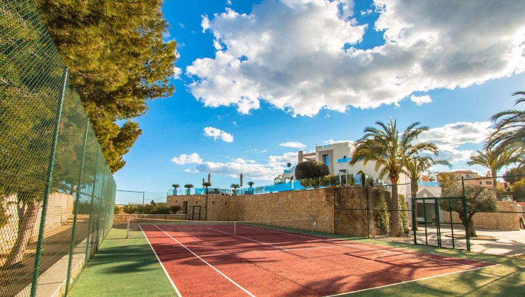 Роскошный дом в Морайре с теннисными кортами - Fine & Country Costa Blanca North