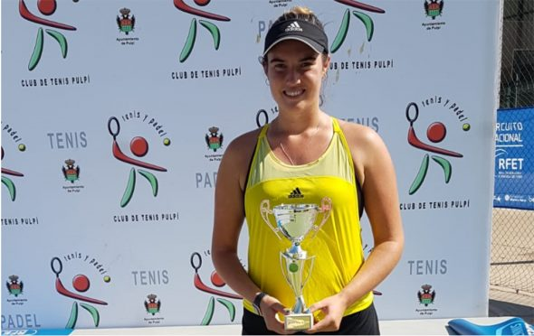 Image: Andrea Redondo with her trophy