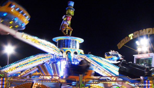 Image: Attraction at the fair of Dénia