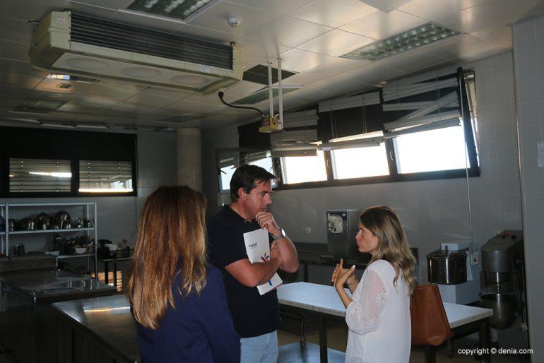 Campos visita las instalaciones del CdT