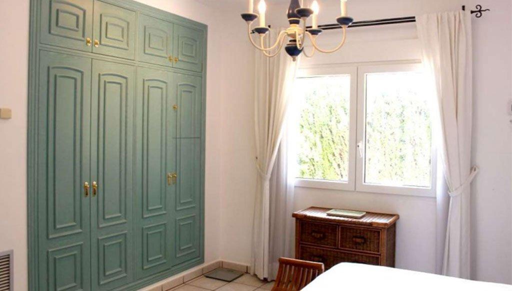 Camera di uno chalet in vendita a Dénia - Stirling Ackroyd in Spagna