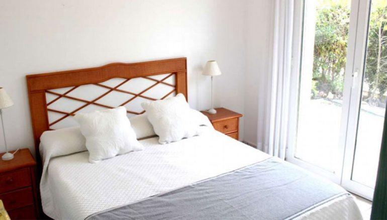Una delle quattro camere da letto di una villa in vendita - Stirling Ackroyd Spagna