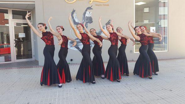 Ballarines de dansa espanyola - Babylon Escola de Dansa