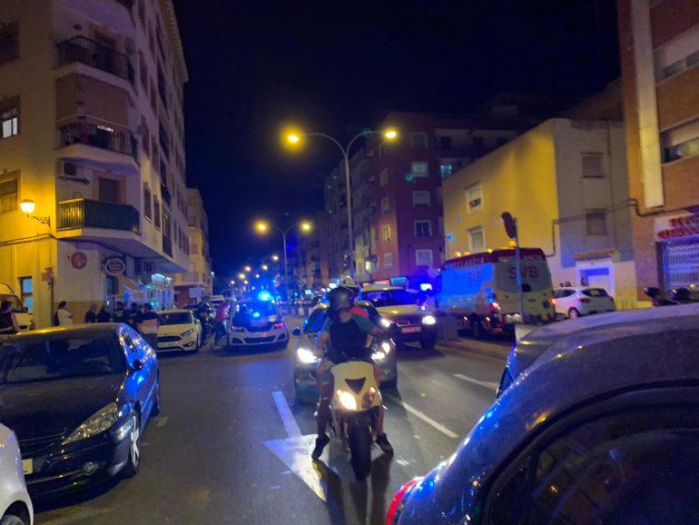Efectius d'emergències es desplacen al lloc de l'accident