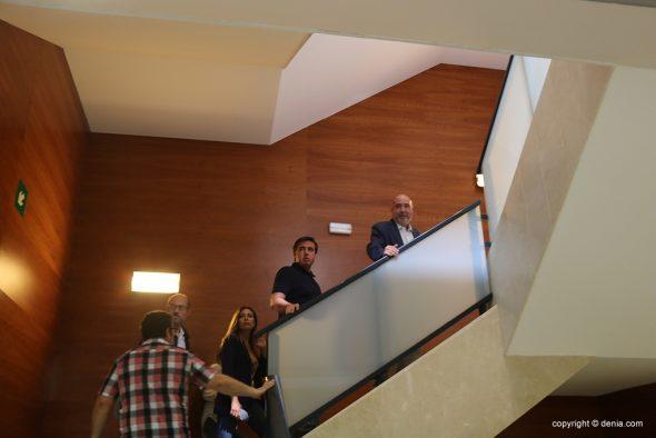 Imagen: El director general de Turismo comprueba el estado del CdT