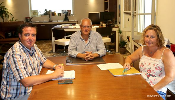 Image: The general director of Tourism, Herick Campos, meets with the mayor of Dénia