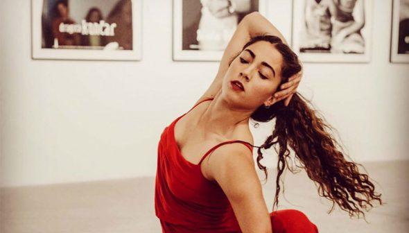 Imatge: Elena Sevilla és una ballarina de Dénia que està tenint èxit i està ballant en diverses companyies. Fotografia Germán Antón