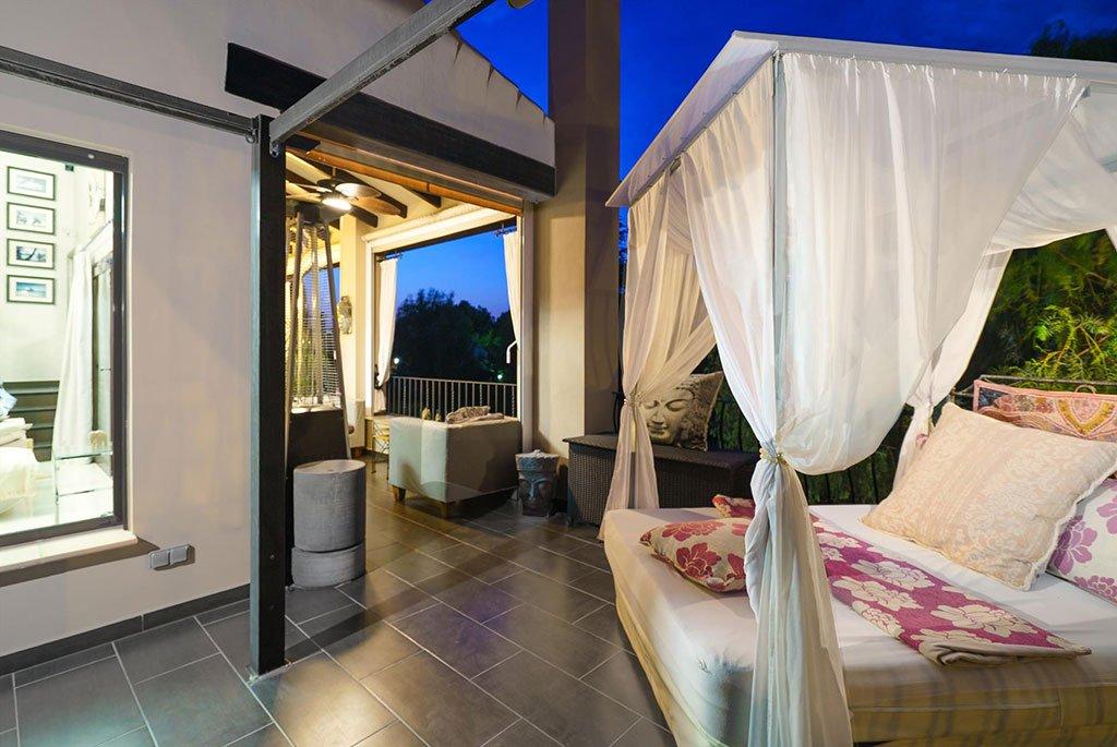 Extérieur romantique dans une maison de vacances à Pedreguer - Aguila Rent a Villa