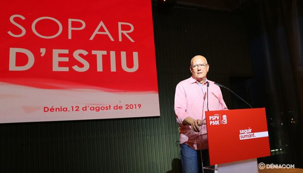 Immagine: Grimalt durante un evento PSPV