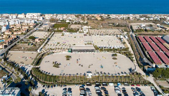 Imagen: Instalaciones del Centro Ecuestre de Oliva Nova vistas desde el aire