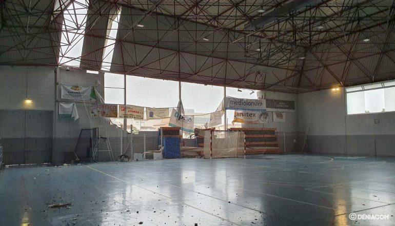 Interior del pabellón dañado