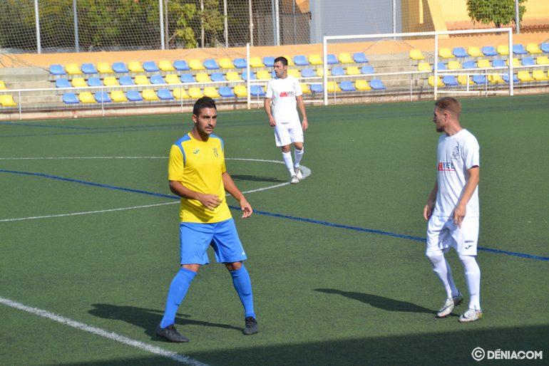 Josep rodeado de rivales