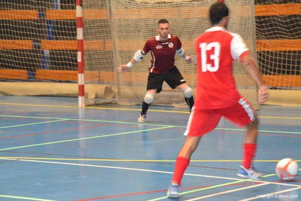 Imagen: Lluis Llinares marcando el tercer gol