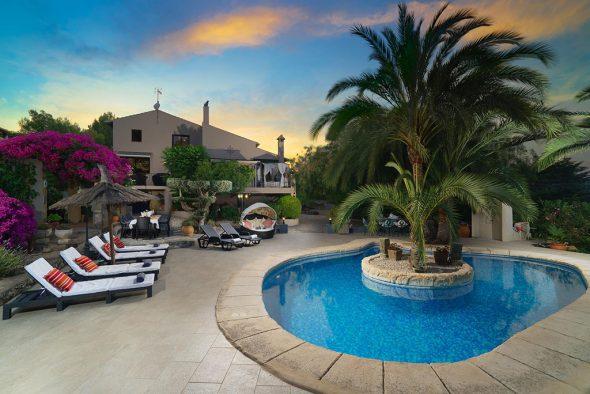 Изображение: Роскошный дом для отдыха - Aguila Rent a Villa