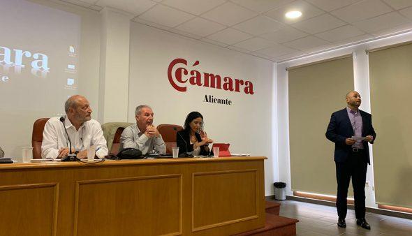 Imatge: Presentació de la Jornada Informativa sobre Inversions Estrangeres