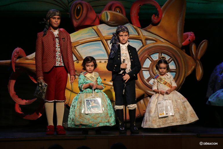 Presentació Infantil Falla Baix La Mar president i Comissió Infantil 10