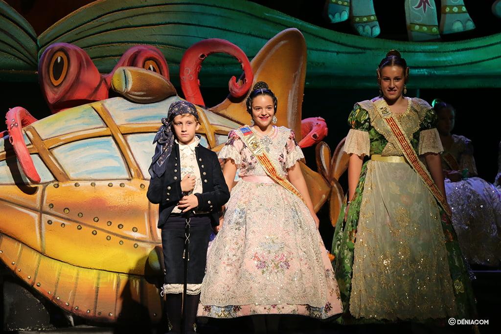 Presentació Infantil Falla Baix La Mar president i Comissió Infantil 3