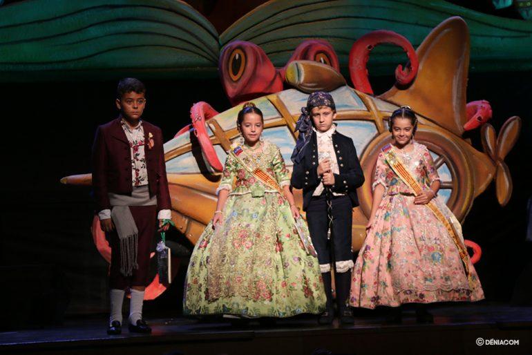 Presentació Infantil Falla Baix La Mar president i Comissió Infantil 7