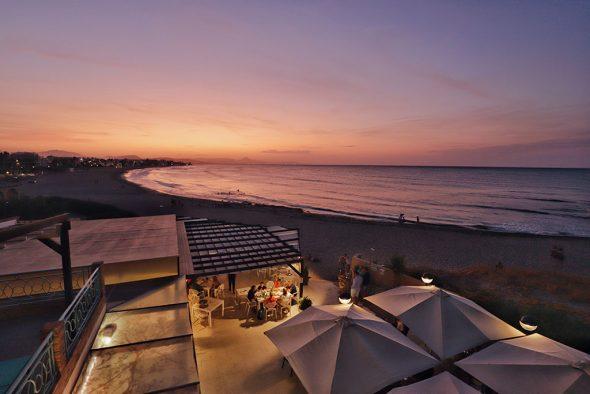 Imagen: Cielo rosa en una puesta de sol en Dénia - Restaurant Noguera