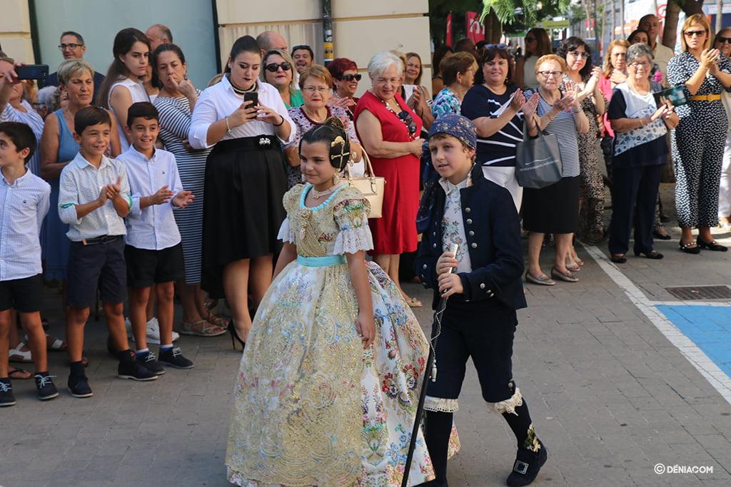 Recepció de la presentació infantil de la Falla Baix la Mar - President i Fallera Major Infantil