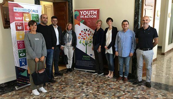 Imagen: Representantes de las ciudades participantes en el Youth4Food