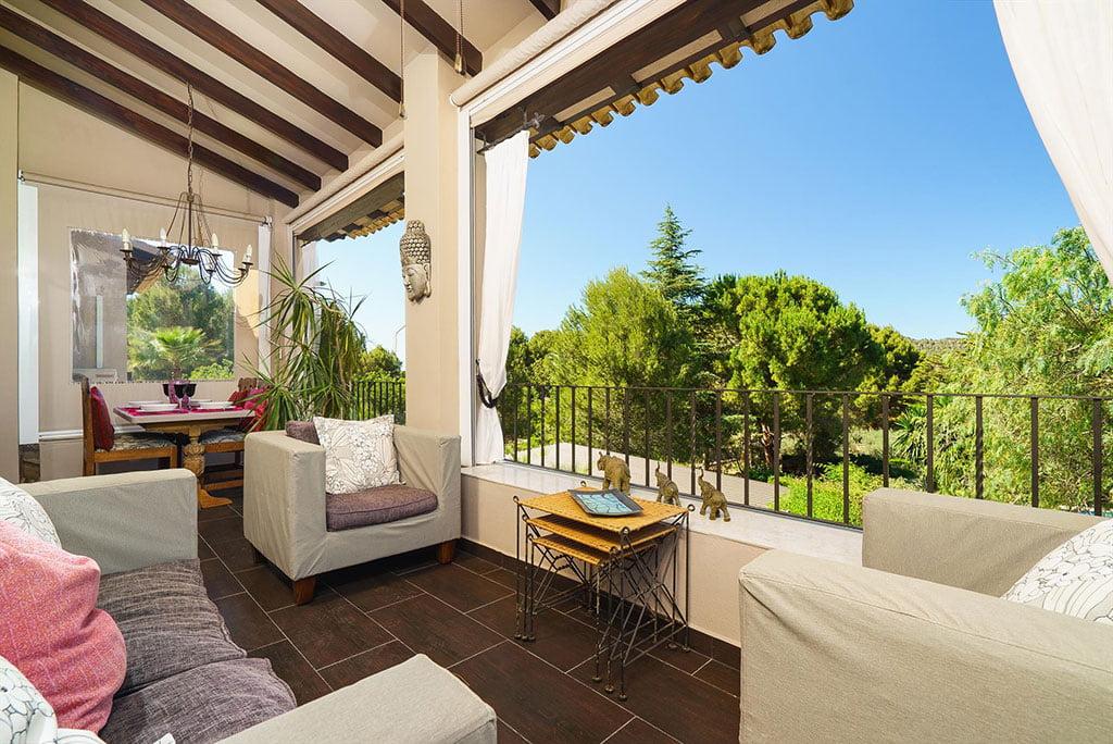 Terrasse couverte pour profiter de l'extérieur - Aguila Rent a Villa