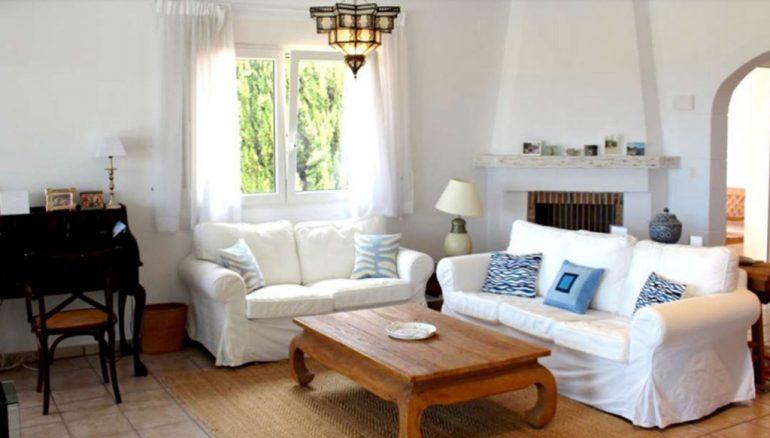 Soggiorno di una villa in vendita a Dénia - Stirling Ackroyd in Spagna