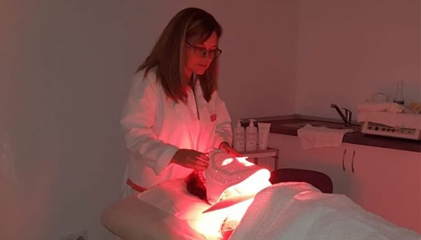 Image: Combination of light with products in photobiodynamic therapy - Clínica Doctora Flores de Apodaca
