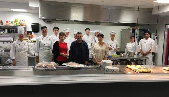 Bild: Besuch der Sandsli Vidaregåande Skule Hospitality School