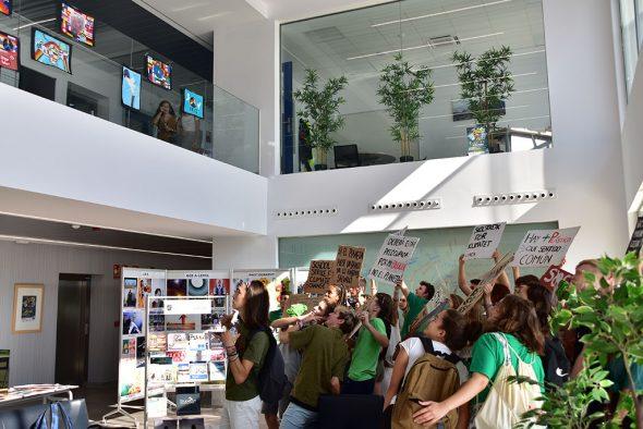 Imagen: Acción concienciadora por el cambio climático - The Lady Elizabeth School