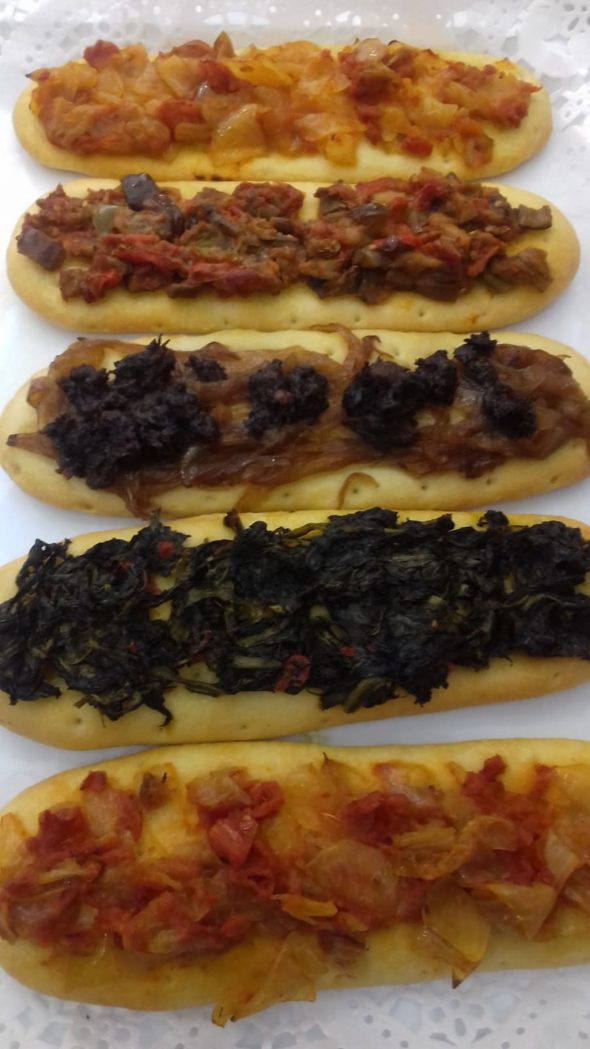 Image: Traditional cocas with natural ingredients in Dénia - La Coquería