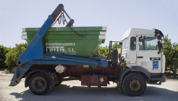 Image: Truck and container - Mata containers