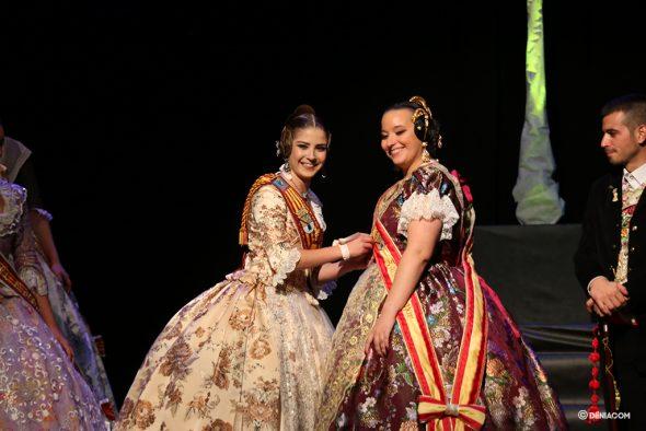 Bild: Judith Fernández und Safir Malonda, Fallera Mayor de Dénia