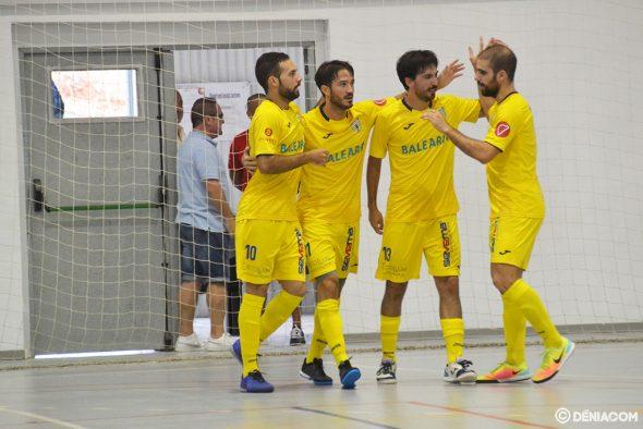 Imatge: Els jugadors deniers celebrant un gol
