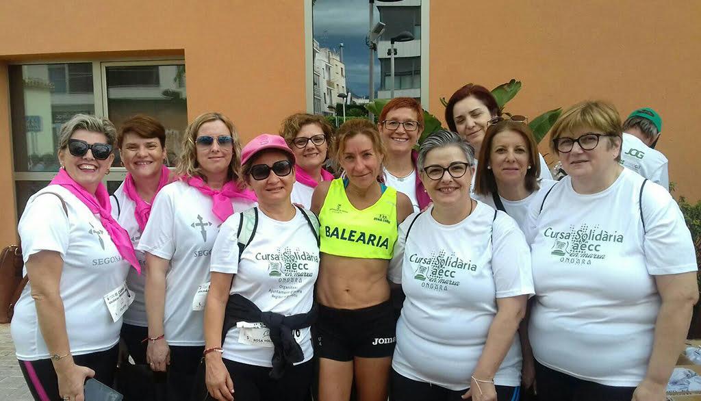 Mayca Sala amb un grup de participants