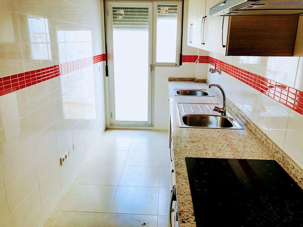 Cocina independiente en un piso de dos dormitorios a la venta en Ondara –  Mare Nostrum Inmobiliaria