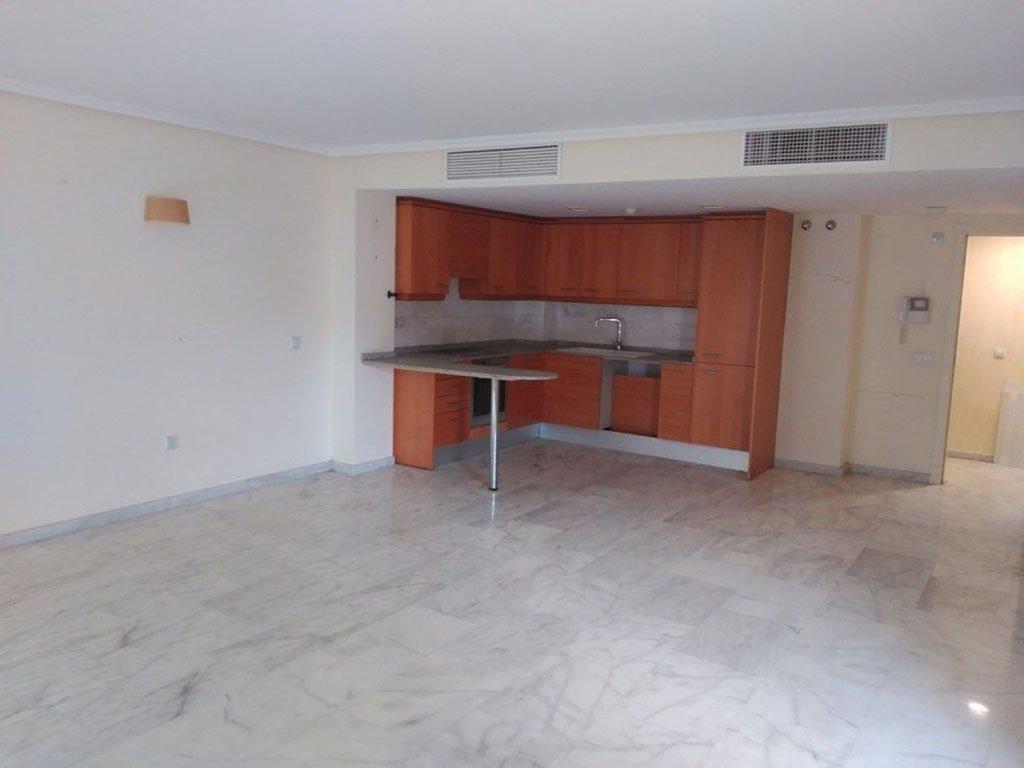 Salón comedor piso de tres habitaciones a la venta en Moraira –  Mare Nostrum Inmobiliaria