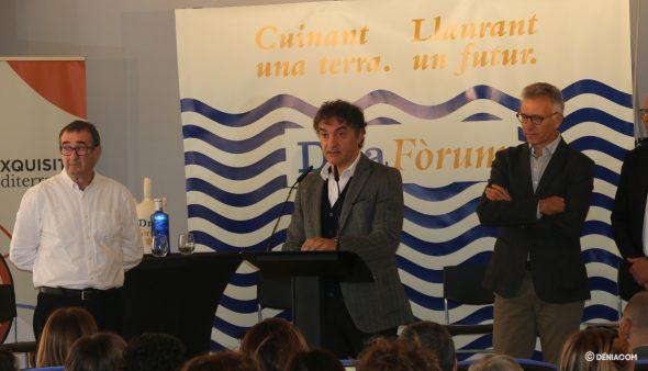 Image: Francesc Colomer lors de la présentation de D * na Fòrum